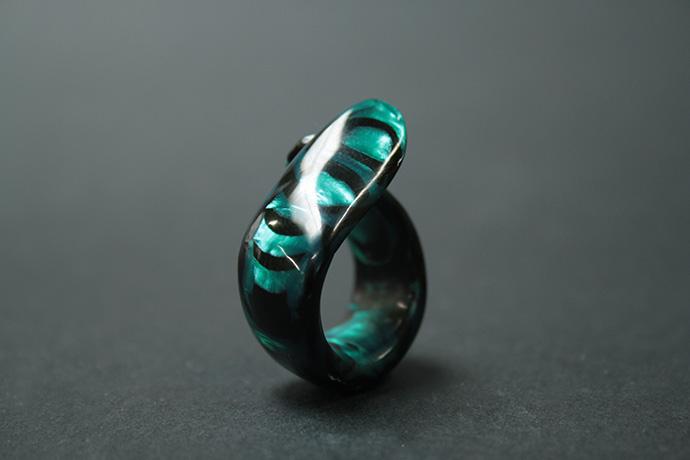 4-anello-smeraldo-zebrato