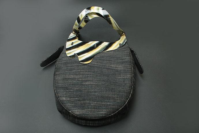 borsa-realizzata-in-acetato-di-cellulosa-e-lino-gallo-zebrato-(3)