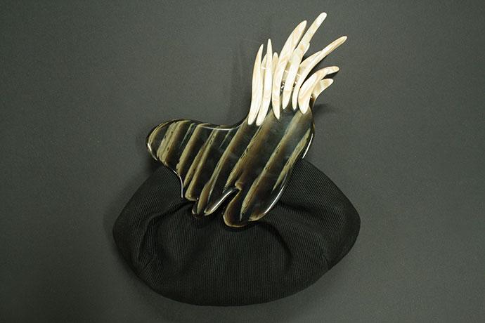 pokette-realizzata-in-acetato-di-cellulosa-e-cotone-ottoman-un-gufo-dentro-di-me-(1)