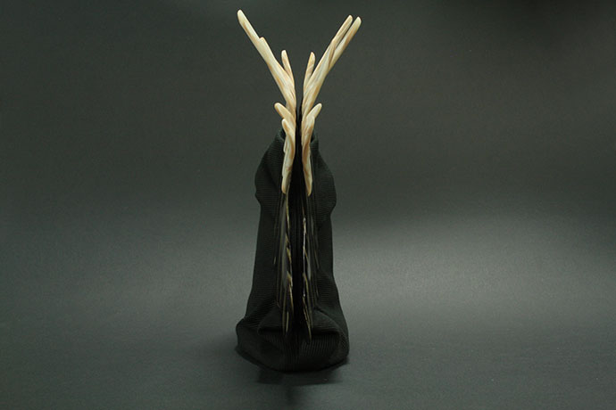 pokette-realizzata-in-acetato-di-cellulosa-e-cotone-ottoman-un-gufo-dentro-di-me-(2)