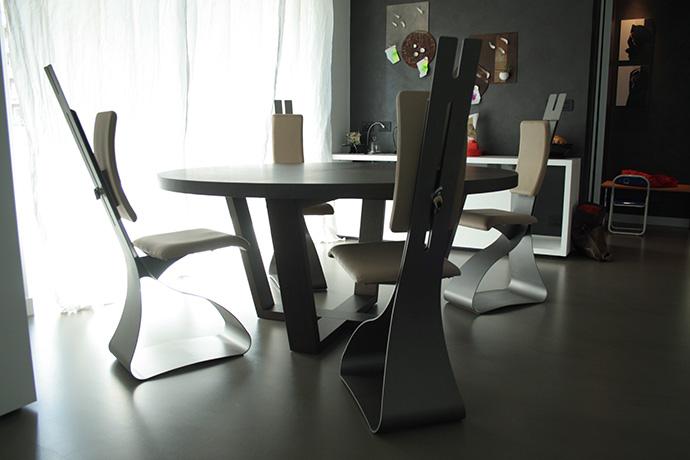 sedia-in-metallo-verniciato-seduta-e-schienale-regolabile-pellificati-2015-(4)