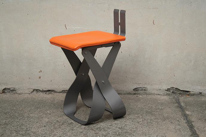 sgabello-belosgabelo-realizzato-in-metallo-verniciato-e-base-pellificata-2015-(5)
