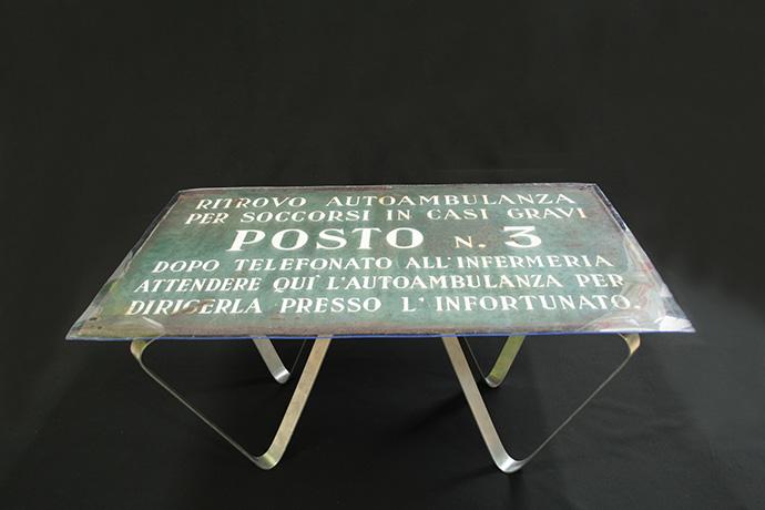 tavolino-60-cm.-x-80-cm.-e-se-non-sono-gravi-2015-1-(2)